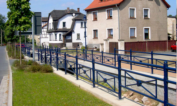 C 4.02 - Light Metal Railings Harra
